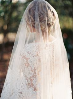 wedding dressses, wedding veils, lace wedding dresses, bridal shots, wedding ideas, bridal portraits, wedding dress and veil, romantic lace, tulle wedding