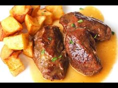 PORK RACKS IN SAUCE- The pork cheeks in sauce are a version of one of Carlos Maldonado's dishes by Master Chef. Easy and spectacular recipe. Pork Cheeks, Exotic Food, Mexican Dishes, Pot Roast, Tandoori Chicken, Food To Make, Food And Drink, Dinner Recipes, Yummy Food
