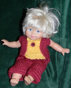 "Burgundy & gold (Redskins) outfit for 14"" doll."