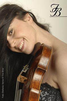 Barbara Broz, violin