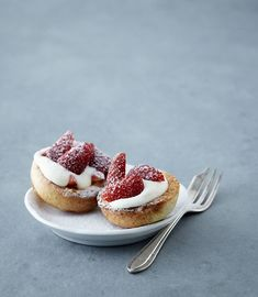 {flavor stories} strawberry & cream popovers by nikole herriott for oh joy