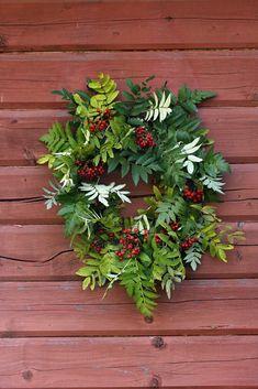Rowan Wreath Rowan, Wreaths, Plants, Diy, Bricolage, Diys, Planters, Handyman Projects, Do It Yourself