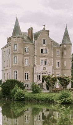 The Chateau By Angel Strawbridge - Belfield Design Studio Angel Adoree, Angel Strawbridge, Arundel Castle, Dream Mansion, Garden Deco, French Chateau, French Country Decorating, Loire, Estate Homes