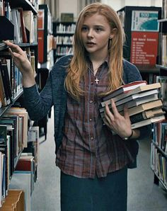Chloe. The cutest bookworm in the world! ♥♥♥♥