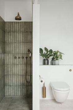 Home Decor Apartment Gorgeous bathroom with separate shower featuring green tiles.Home Decor Apartment Gorgeous bathroom with separate shower featuring green tiles Bathroom Inspo, Bathroom Inspiration, Bathroom Ideas, Earthy Bathroom, Interior Inspiration, Bathroom Organization, Nature Bathroom, Eclectic Bathroom, Scandinavian Bathroom