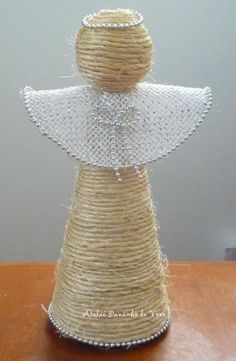 Angel with sisal twine Burlap Ornaments, Burlap Crafts, Angel Ornaments, Christmas Angels, Christmas Holidays, Christmas Ornaments, Rustic Christmas, Handmade Christmas, Christmas Projects