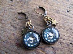 ♋ Cancer zodiac earrings