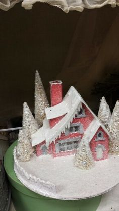 Christmas Glitter House-love the little icicles along the roofline!