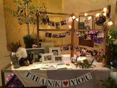 Interesting table set up Wedding Table Flowers, Wedding Table Settings, Wedding Decorations, Crazy Wedding, Diy Wedding, Welcome Images, Wedding Notes, Entrance Decor, Space Wedding