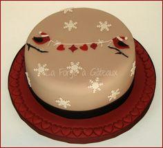 Christmas Birds on Cake Central Christmas Cake Designs, Christmas Cake Topper, Christmas Cake Decorations, Christmas Cupcakes, Holiday Cakes, Christmas Desserts, Christmas Treats, Christmas Baking, Xmas Cakes