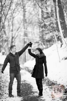 Dancing in the woods - winter engagement photos
