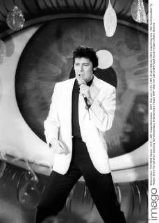 Shakin Stevens - Fotos kaufen | imago images Female Poets, My Dream Came True, Rockabilly, Rock And Roll, My Photos, Singers, Image, School, Friends