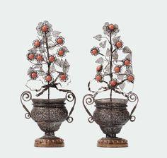 Coppia di vasetti biansati in filigrana d'argento, punzone Palermo probabile Sicilia XIX-XX secolo
