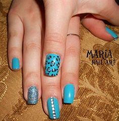Simple Nail Art by MAR from Nail Art Gal - http://yournailart.com/simple-nail-art-by-mar-from-nail-art-gal/ - #nails #nail_art #nails_design #nail_ ideas #nail_polish #ideas #beauty #cute #love