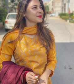 Pakistani movies actress and unseen cute beautiful girls largest latest hundreds of hot photos collection of their sexy curvy body Show. Pakistani Outfits, Indian Outfits, Hina Altaf, Designer Suits Online, Salwar Suits Party Wear, Desi Wear, Stylish Girl Pic, Cute Girl Photo, Pakistani Actress
