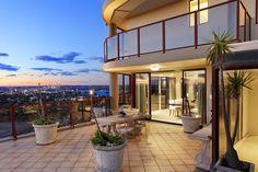 Epic penthouse sanctuary with dramatic city & Harbour views