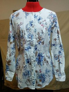 Buy it now! Modified Tuxedo Blouse Blue Floral on White D & Co. Size XS Stretch Cotton #DCo #blouse