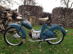 Rc Tank, Old Motorcycles, Classic Bikes, Mopeds, World, Vehicles, Motorized Bicycle, Old Bikes, Motorcycles