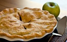Easy and delicious old-fashioned apple pie recipe.