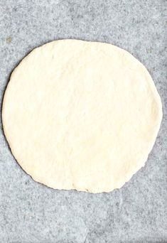 This Greek Yogurt Pizza Dough is quick and easy to make with a few staple ingredients, doesn't have yeast or a rise time, and produces tasty homemade pizzas! Customize these healthy pizzas with your favorite toppings, and enjoy them for lunch, dinner, or anytime a pizza craving hits! #pizza #pizzadough #greekyogurt #greekyogurtpizza #easypizza #noyeast #easyhomemadepizza #healthypizza   That Spicy Chick Healthy Homemade Pizza, Healthy Pizza, Yogurt Pizza Dough, 2 Ingredient Pizza Dough, Baked Potato Wedges Oven, Rise Time, Dough Ingredients, Stuffed Banana Peppers, Pizza Recipes