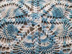 Mão Vintage malha Doily azul e Large White