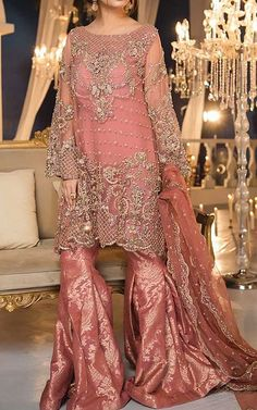 Image uploaded by Find images and videos about pakistani bridal dresses, indian wedding dresses and indian formal dresses on We Heart It - the app to get lost in what you love. Indian Formal Dresses, Elegant Prom Dresses, Formal Dresses For Weddings, Beautiful Prom Dresses, Formal Wedding, Wedding Wear, Dream Wedding, Wedding Outfits, Bride Dresses