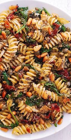 Italian Pasta with Spinach Artichokes Sun-Dried Tomatoes Capers Garlic and Pine Nuts! This meatless vegetarian pasta dish has only 8 ingredients and takes 30 minutes to make! Veggie Recipes, Whole Food Recipes, Salad Recipes, Vegetarian Recipes, Dinner Recipes, Cooking Recipes, Healthy Recipes, Red Lentil Pasta Recipes, Polenta Recipes