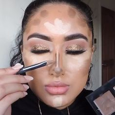 How To Contour and Highlight For Beginners! – Make Up Arts Nose Contouring, Contour Makeup, Contouring And Highlighting, Skin Makeup, Contouring Guide, Sultry Makeup, Makeup Eyeshadow, Contouring For Beginners, Eyeshadow Tutorial For Beginners