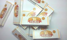 Foite Primus pentru rulat tutun. Un pachetel contine 50 buc de foite cu dimensiune standard. Pentru comenzi: tuburipentrutigari.ro