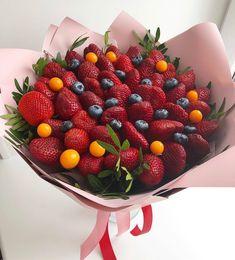 Food Trays, Luxury Decor, Diy Flowers, Strawberry, Fruit, Decoration, Beverages, Food Items, Decor