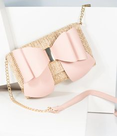 Wallets For Girls, Cute Wallets, Women's Wallets, Clutch Wallet, Leather Wallet, Purse Crossbody, Backpack Purse, Purse Essentials, Cute Purses
