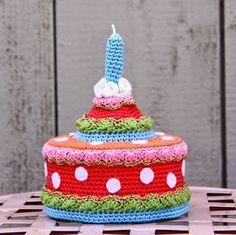 Ak at home : crochet * taart. het patroon heeft Anneke er ook bijgezet.