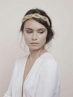 Bijoux et Accessoires à cheveux - La chambre blanche - Collection 2016 | Photographe : Marion Kotlarski | Donne-moi ta main - Blog mariage