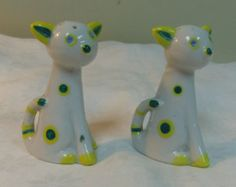 Salt and Pepper Shakers Green Spotted Cats