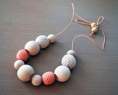Organic teething necklace, Nursing Necklace, Wooden Teething Necklace, Wood baby necklace, Mom nursing Necklace