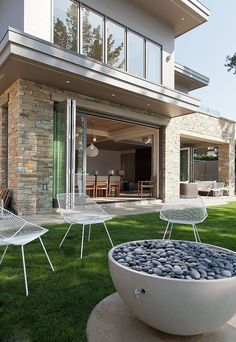 Impressive Two-storey Vacation Home on the Shores of Lake Okanagan - Robert Bailey Interiors / British Columbia, Canada