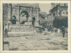 Italie, Roma, Arco di Settimo Severo, 1905 Vintage silver print.   Tirage…