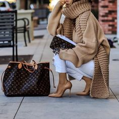 Oversized sweater is the fashion  from @modernfashion's closet
