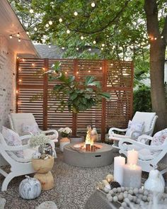 Did you want make backyard looks awesome with patio? e can use the patio to relax with family other than in the family room. Here we present 40 cool Patio Backyard ideas for you. Hope you inspiring & enjoy it . Small Outdoor Patios, Backyard Ideas For Small Yards, Backyard Patio Designs, Small Backyard Landscaping, Landscaping Design, Outdoor Seating, Outdoor Living Spaces, Inexpensive Backyard Ideas, Small Backyard Design