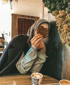 Hijab Casual, Hijab Chic, Hijabi Girl, Girl Hijab, Muslim Girls, Muslim Women, Hijab Dpz, Detective Conan Wallpapers, Hijab Niqab
