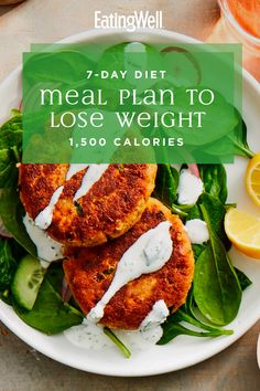 Lose weight, eat well and feel great with this easy weight loss diet plan. This simple meal plan is specially tailored to help you feel energized and satisfied while cutting calories so you can lose a healthy 1 to 2 pounds per week. 1500 Calorie Meal Plan, 500 Calorie Meals, Calorie Diet, Diet Meal Plans To Lose Weight, Healthy Food To Lose Weight, 500 Calories, Diet And Nutrition, Planning Menu, Best Fat Burning Foods