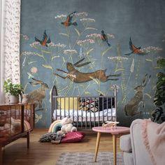 Очень приятный рисунок обоев для детской комнаты, в сочетании с различными тканями он смотрится единым целым со всей композицией. С прозрачным белым тюлем и мягкими светлыми подушками в детской комнате создается очень уютная атмосфера воздушного пространства наполненная любовью и заботой. Комната оформленная обоями с таким рисунком будет очень светлой.  #детскиеобои #интерьер #оформелениедесткой #детскаякомната Baby Room Art, Baby Bedroom, Kids Bedroom, Old Wallpaper, Painting Wallpaper, Baby Room Neutral, Wall Decor, Room Decor, Woodland Nursery Decor
