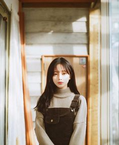 Read Son Hwamin from the story Ulzzang List by (Yours) with reads. Ulzzang Korea, Korean Ulzzang, Ulzzang Girl Selca, Korea Fashion, Asian Fashion, Cute Korean, Korean Girl, Son Hwamin, Hwa Min