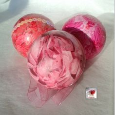 Boules déco fleurs roses lot de 3 légères et incassables : Accessoires de maison par creasoize