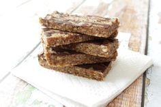 No-Bake Coconut, Almonds and Chocolate Larabars