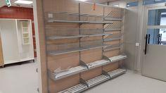 Säilytysjärjestelmä lämmitettävillä kenkähyllyillä ja saapastelineillä. A storage system with heatable shoe shelves and boot racks. www.jamito.fi #storage #säilytysjärjestelmä #eteinen #vestibule #boot #rack #shoe #heatable