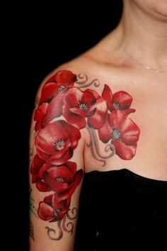 shoulder tattoo with red poppies flower tattoos on shoulder - tattoo designs for women - Tatoo 3d, Tattoo Henna, Tattoo Motive, Tattoo You, Tattoo Baby, Lace Tattoo, Ankle Tattoo, Red Ink Tattoos, Body Art Tattoos