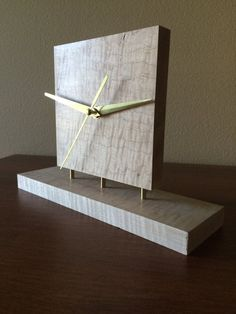 Curly Maple Clock by WoodenLion on Etsy . Curly Maple Clock by WoodenLion on Etsy Woodworking Projects Diy, Woodworking Furniture, Diy Wood Projects, Woodworking Plans, Diy Clock, Clock Decor, Cool Clocks, Modern Clock, Wall Clock Design