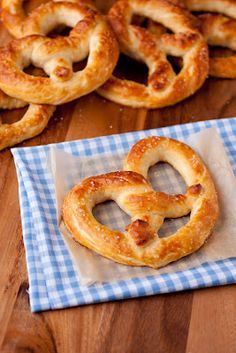 Auntie Anne's Pretzel's Copycat Recipe 2 cups milk (I used 2%) 1 1/2 Tbsp active dry yeast (2 packets) 6 Tbsp packed light-brown sugar 4 Tbsp butter, at room temperature 4 1/2 cups all-purpose flour, plus an up to an additional 1/2 cup as needed 2 tsp fine salt 1/3 cup baking soda 2 cups warm water coarse salt, to taste 6 Tbsp butter, melted | best stuff