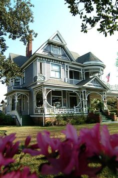 The Kate Shepard House Bed and Breakfast in Mobile, Alabama,[ So Lovely.would like to see it. Haunted Hotel, Haunted Places, House Beds, My House, Villas, Jardin Decor, Tennessee, Second Empire, Sweet Home Alabama